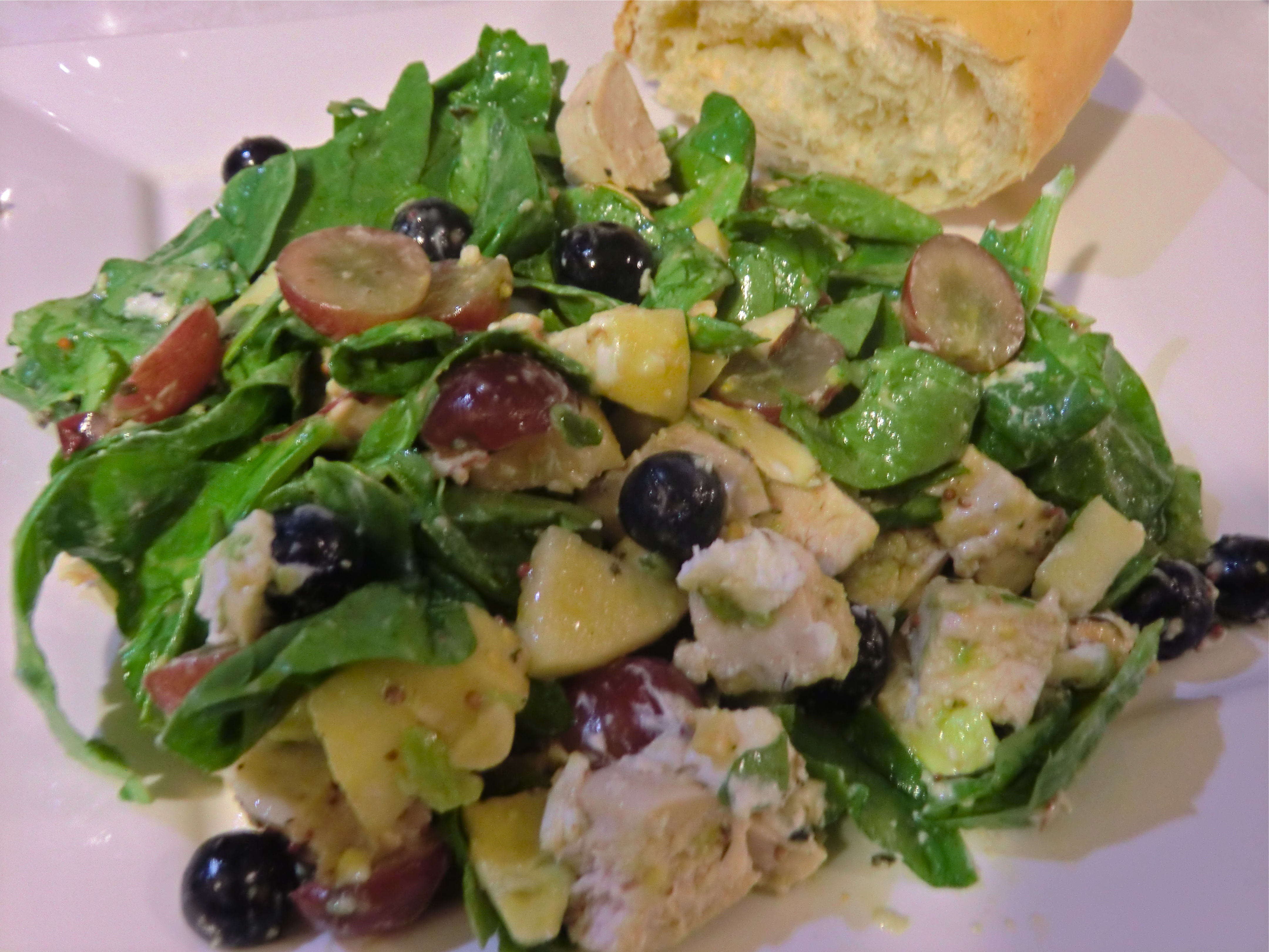 Spinach salad with chicken, fruit and goat cheese | Life With a Little ...